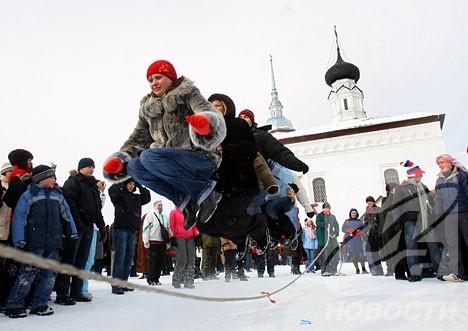 maslenitsa-skipping-rope.jpg
