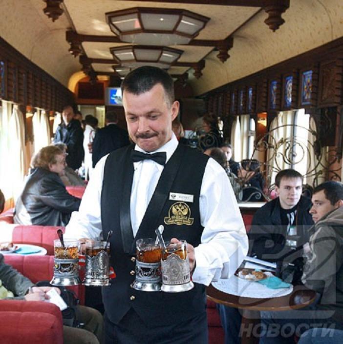 trans-siberian-express-4-bar-car.jpg