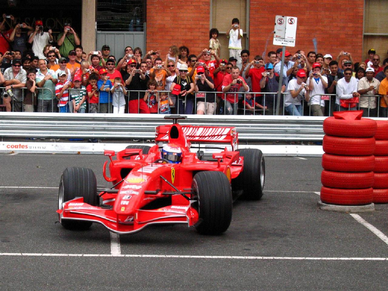 100 Formula-1 cars to show off