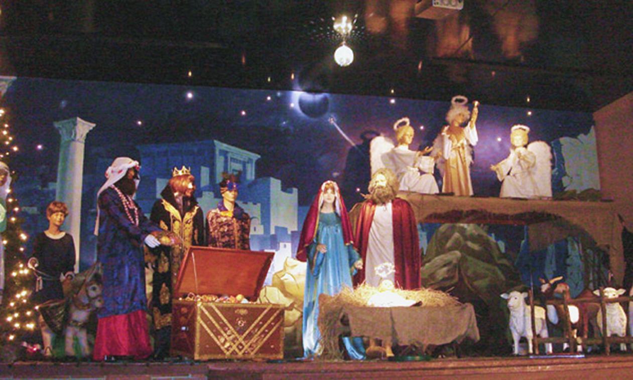 Christmas Creche Galleryhip Com The Hippest