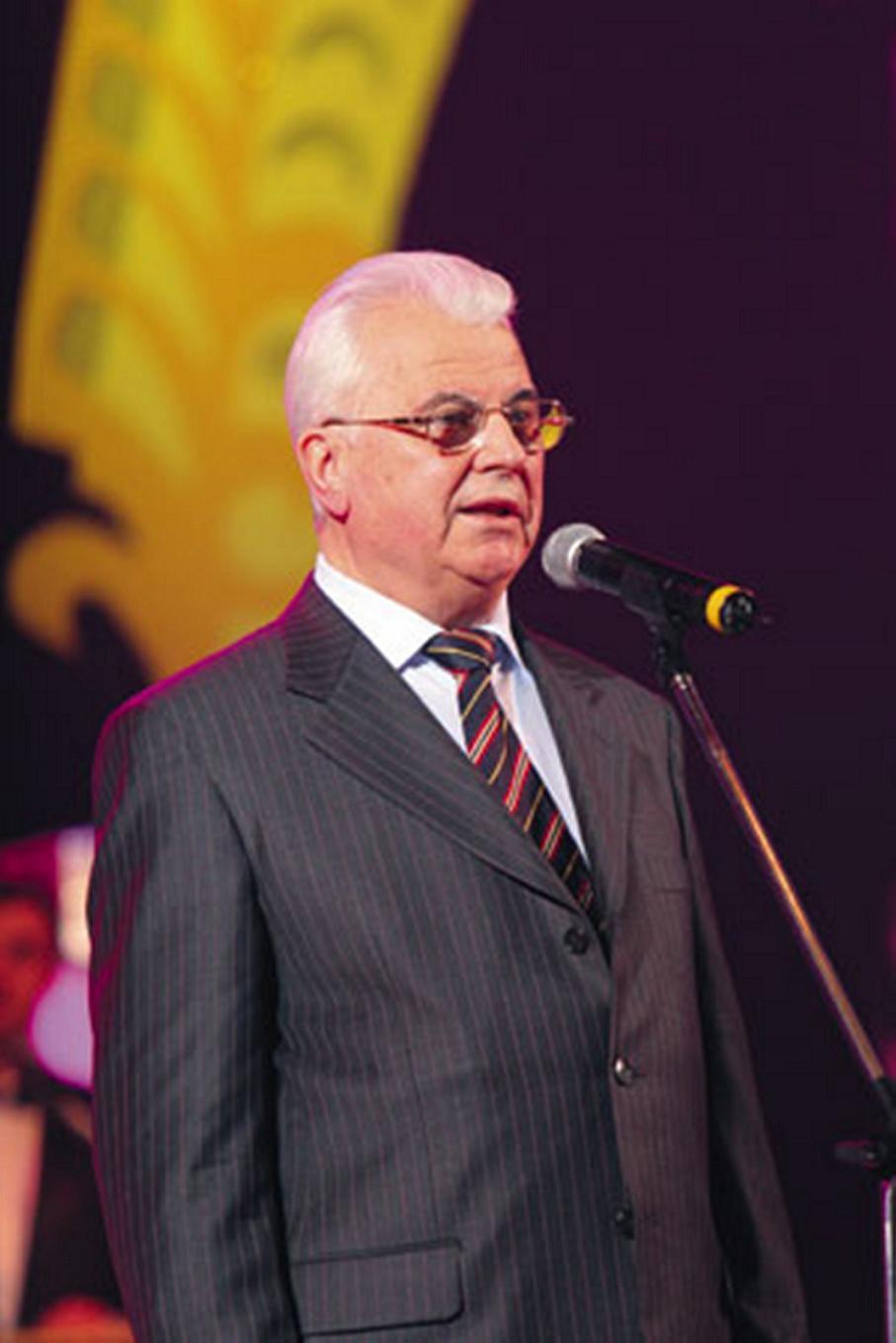 Leonid Kravchuk - the first president of independent Ukraine: biography, family 4