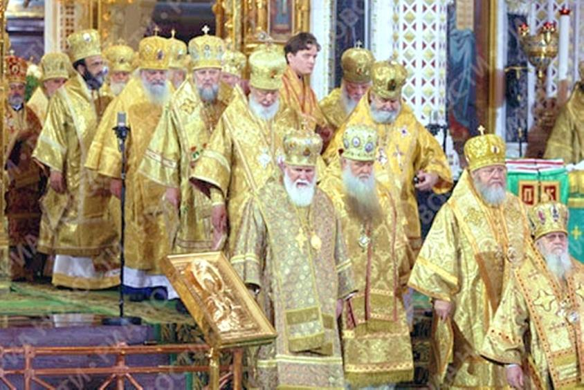 metropolitan-hilarion-in-christ-the-saviour-cathedral1