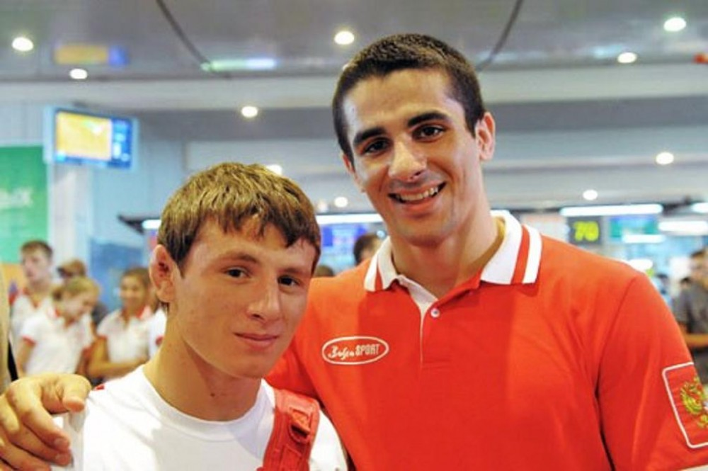 04-youth-olympics-2010-singapore-team-russia-gr-wrestlers-artur-suleimanov-and-ruslan-adzhigov