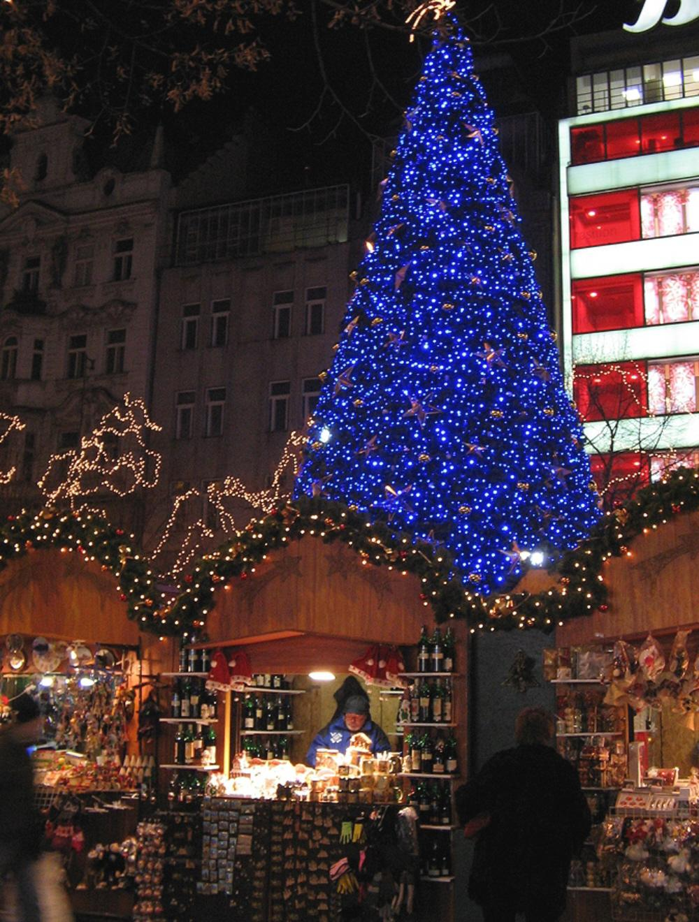 essays about christmas season