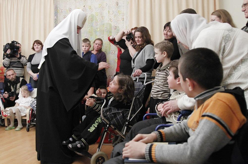 01i Patriarch Kirill at SPB Orphanage 11.10