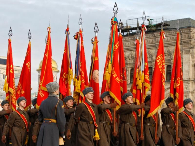 01m Red October Parade