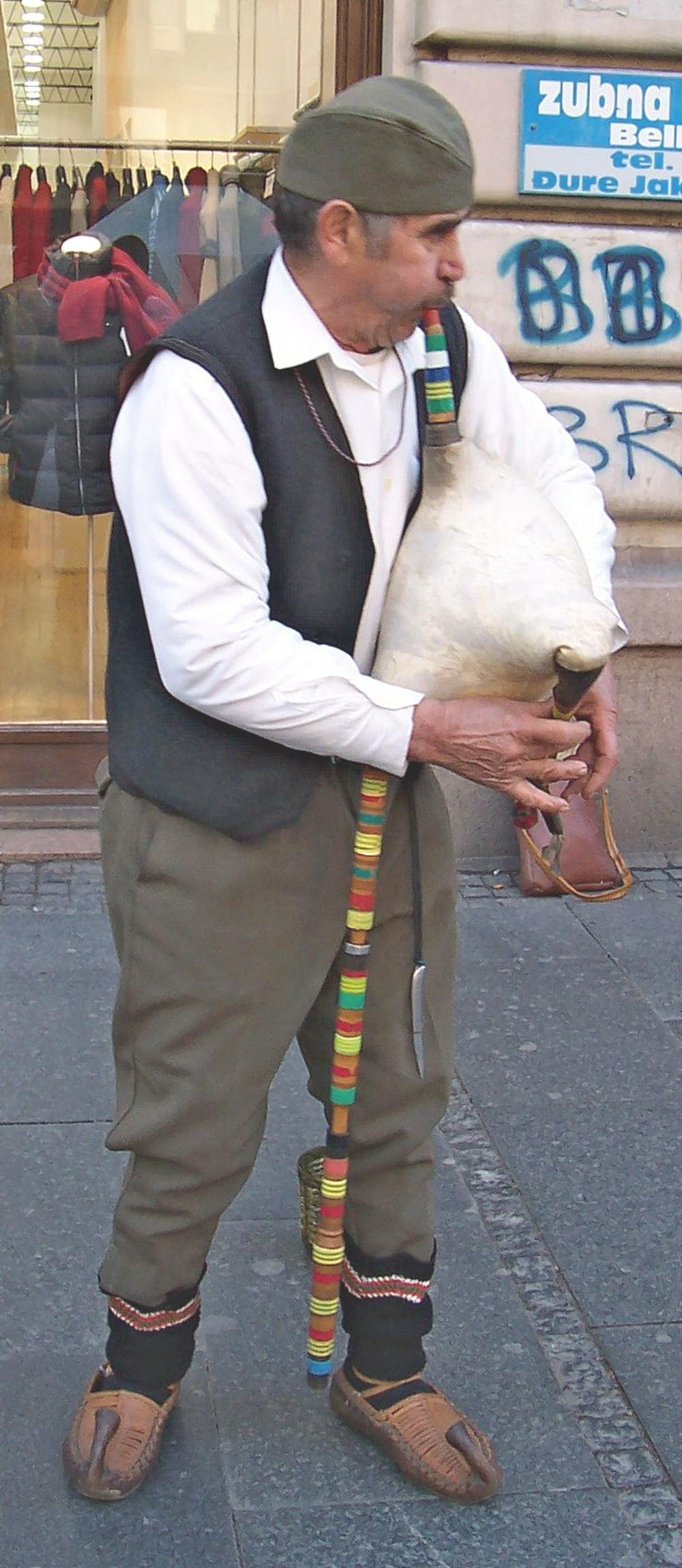 01i Bagpipes serbian gaide