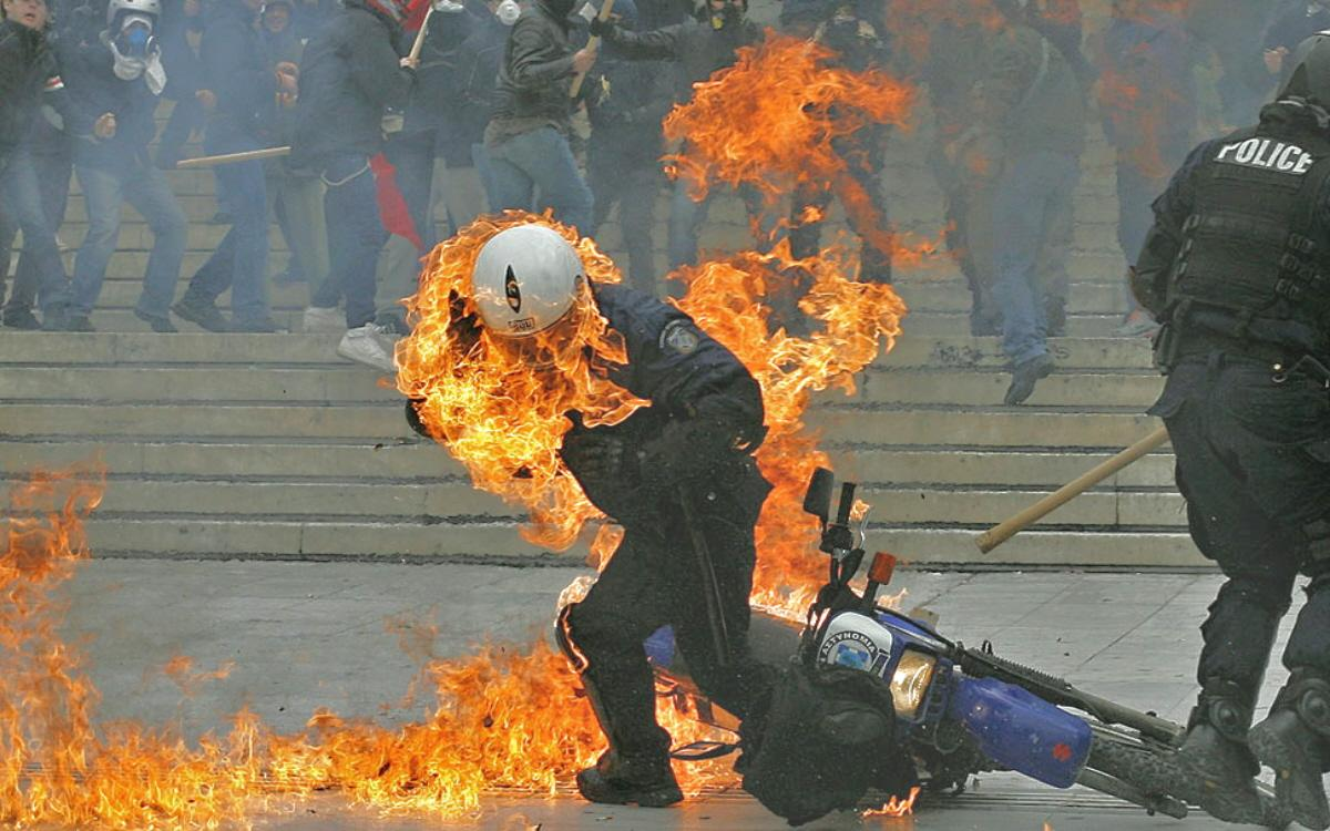 Molotov Cocktail 04d-policeman-i...