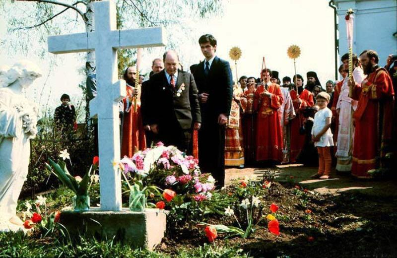 01 russian orthodox funeral