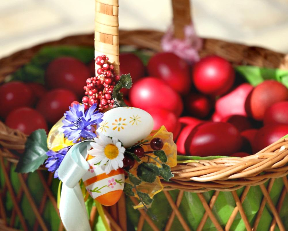 01 easter basket voices from russia poll says that more than 90 of russians will celebrate easter in some way 01 easter basket negle Images