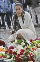 01 Oslo bombing 22.07.11 mourning