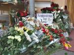 02c Oslo bombing 07.11 Russians mourn