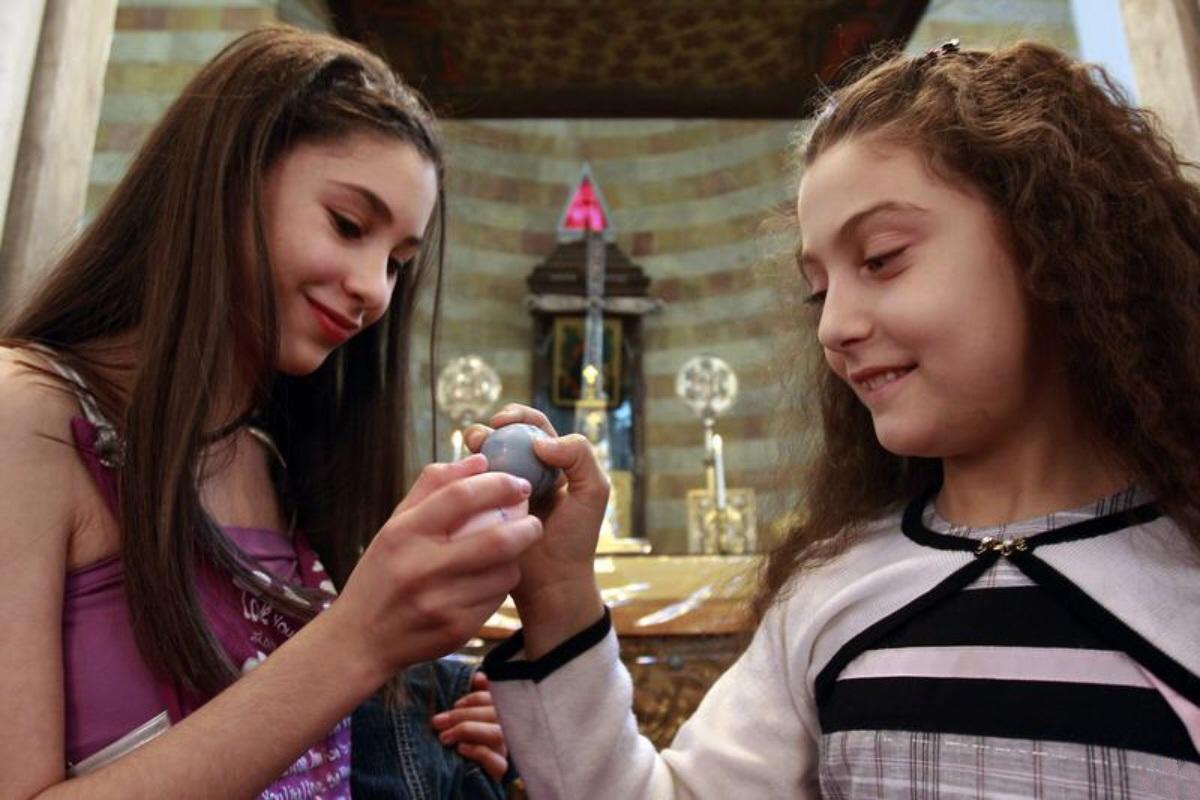 00 Syrian Christian Girls Easter