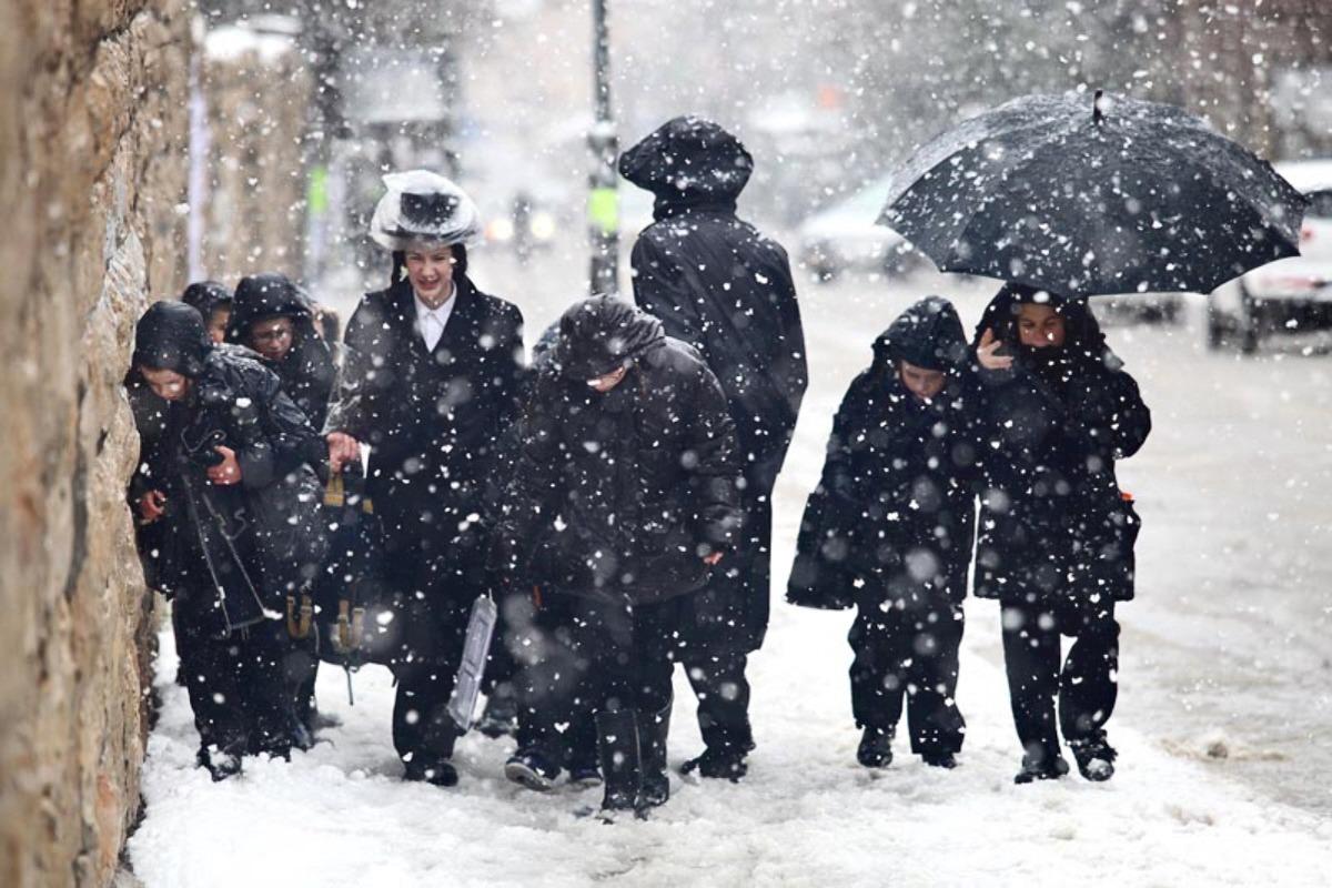 Зимняя буря в Израиле: ливни, град, снегопад и сильный шторм на побережье Средиземного моря