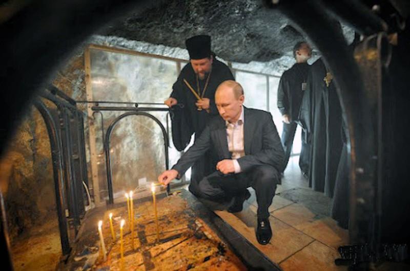 00.0b Putin in Jerusalem. 06.12