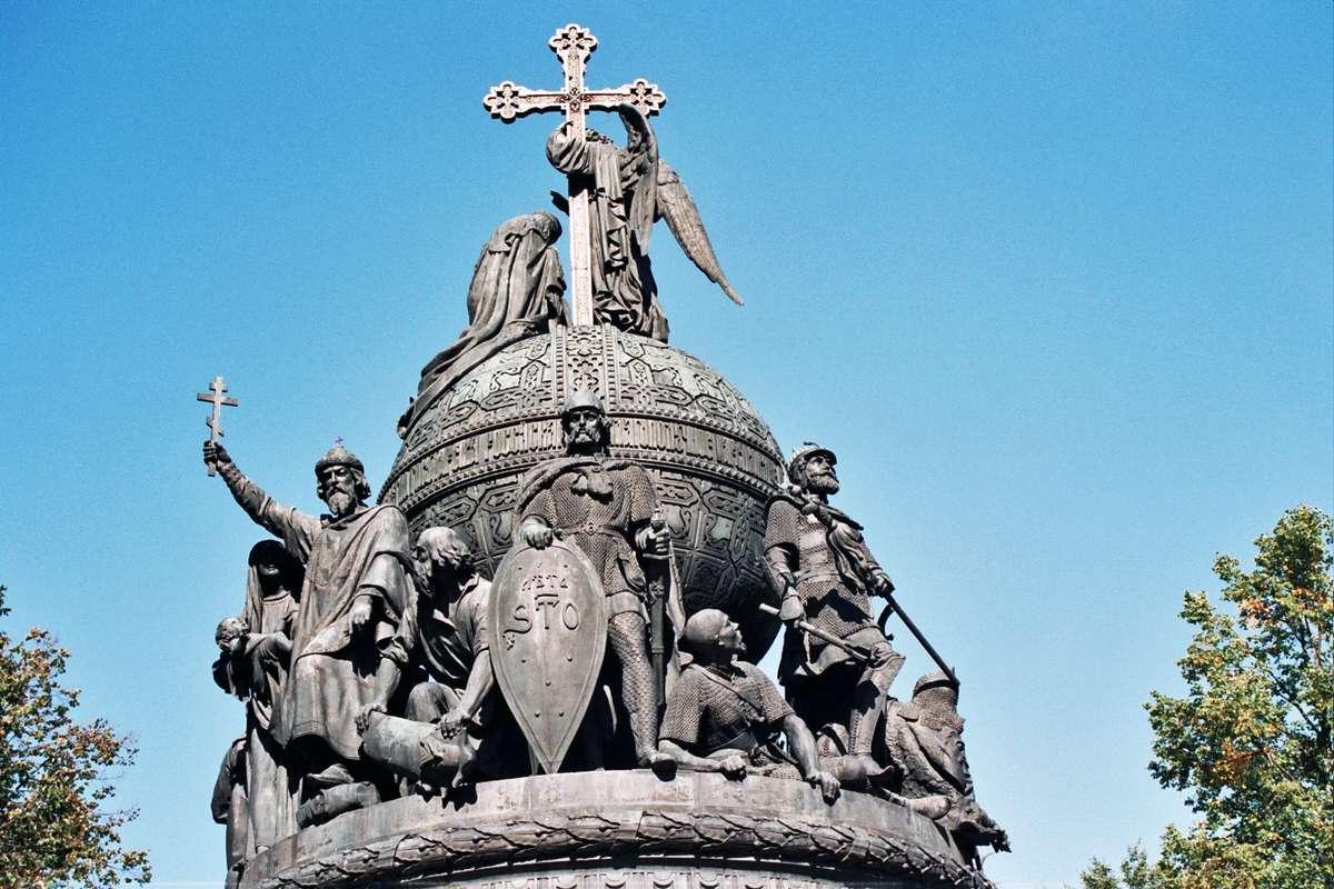 00-millennium-of-russia-monument-veliki-novgorod.jpg