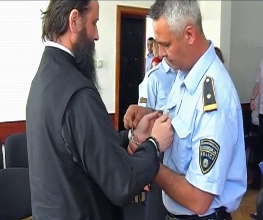 00 Police handcuffing Abp Jovan. 06.12