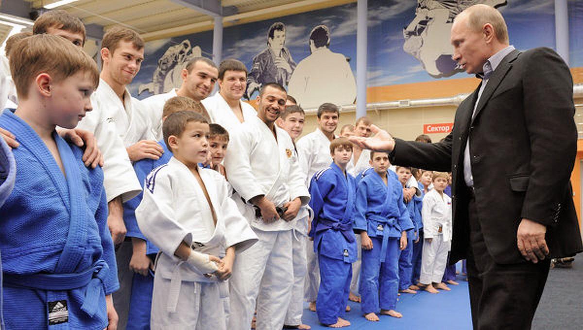 00 Vladimir Putin. 06.12. judo dojo. kids