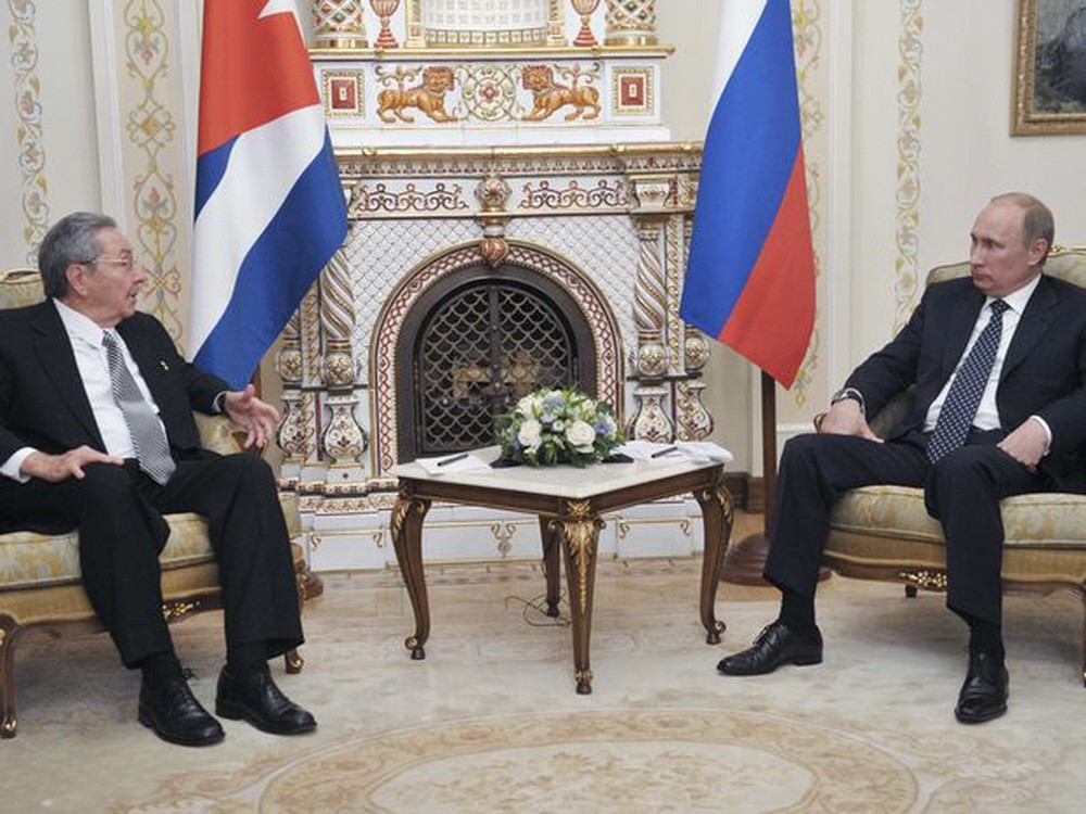 00 Presidents Castro and Putin. 11.07.12