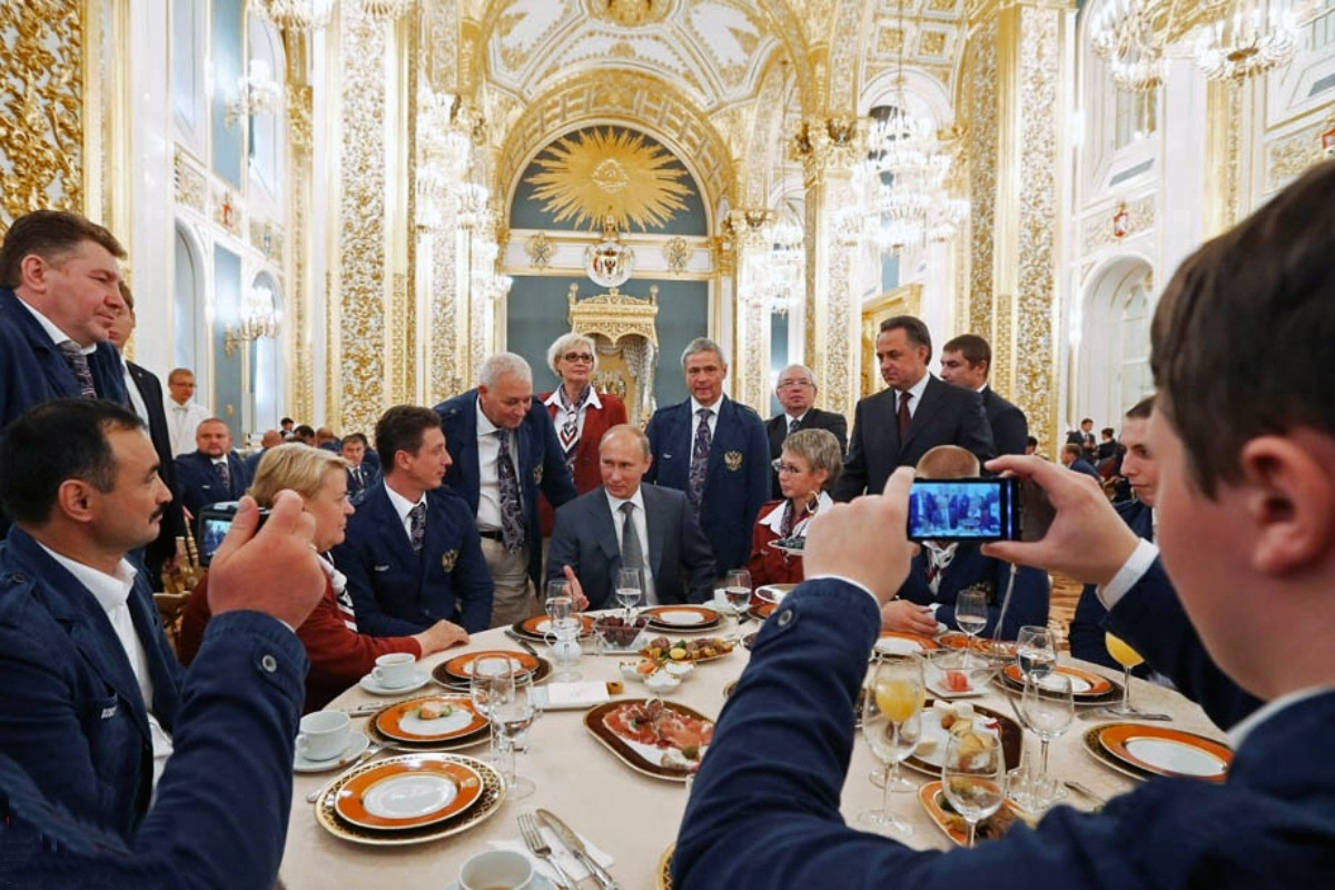 00.01a Russian Paralympians. 08.12. Putin. Moscow