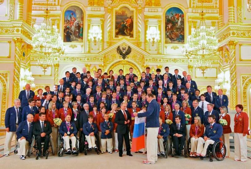 00.0a Paralympics. Putin. 11.09.12