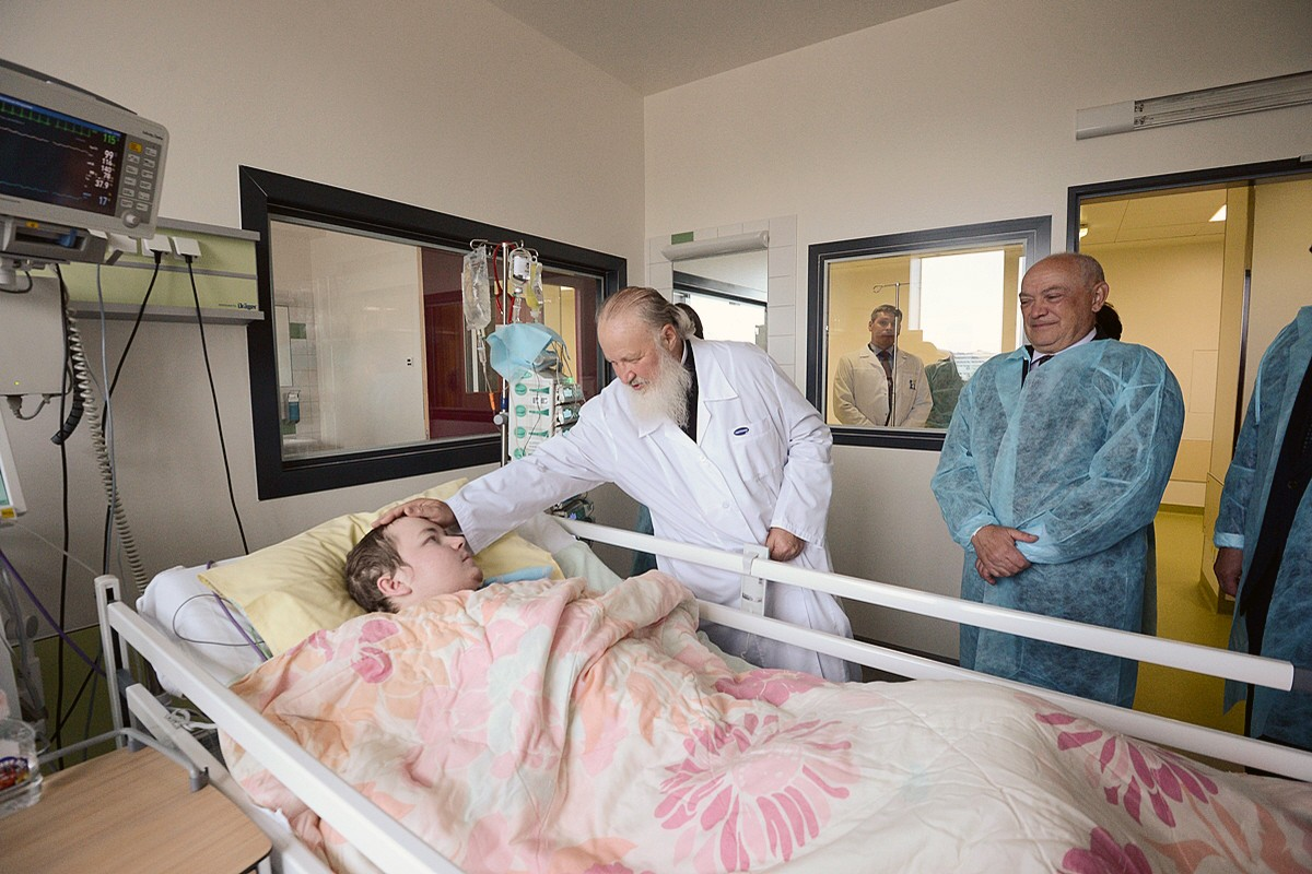 00b Patriarch Kirill. 04.09.12 Central Pediatric Oncology Hospital