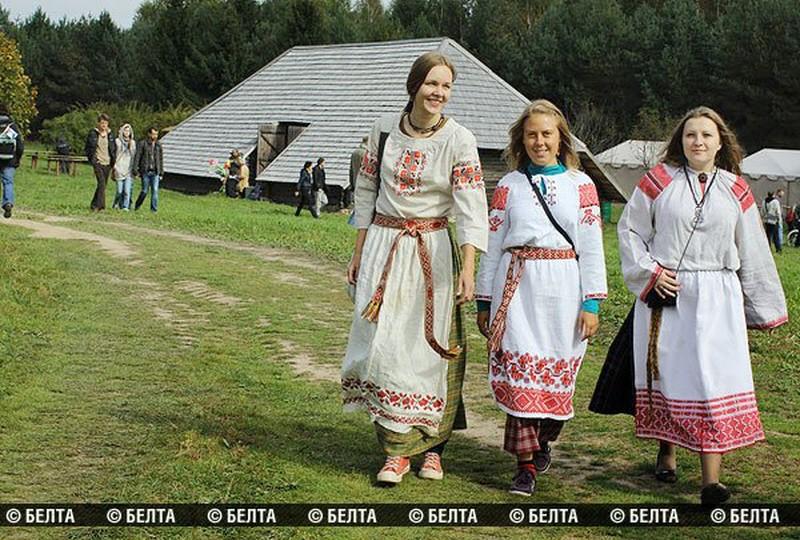 00f Kamyanitsa Folk Festival. Belarus. 17.09.12   Voices ...