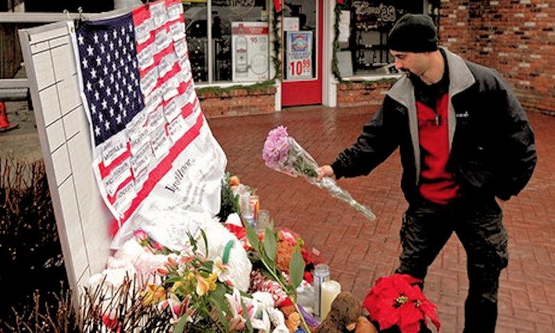 00 Newtown CT massacre. 17.12.12
