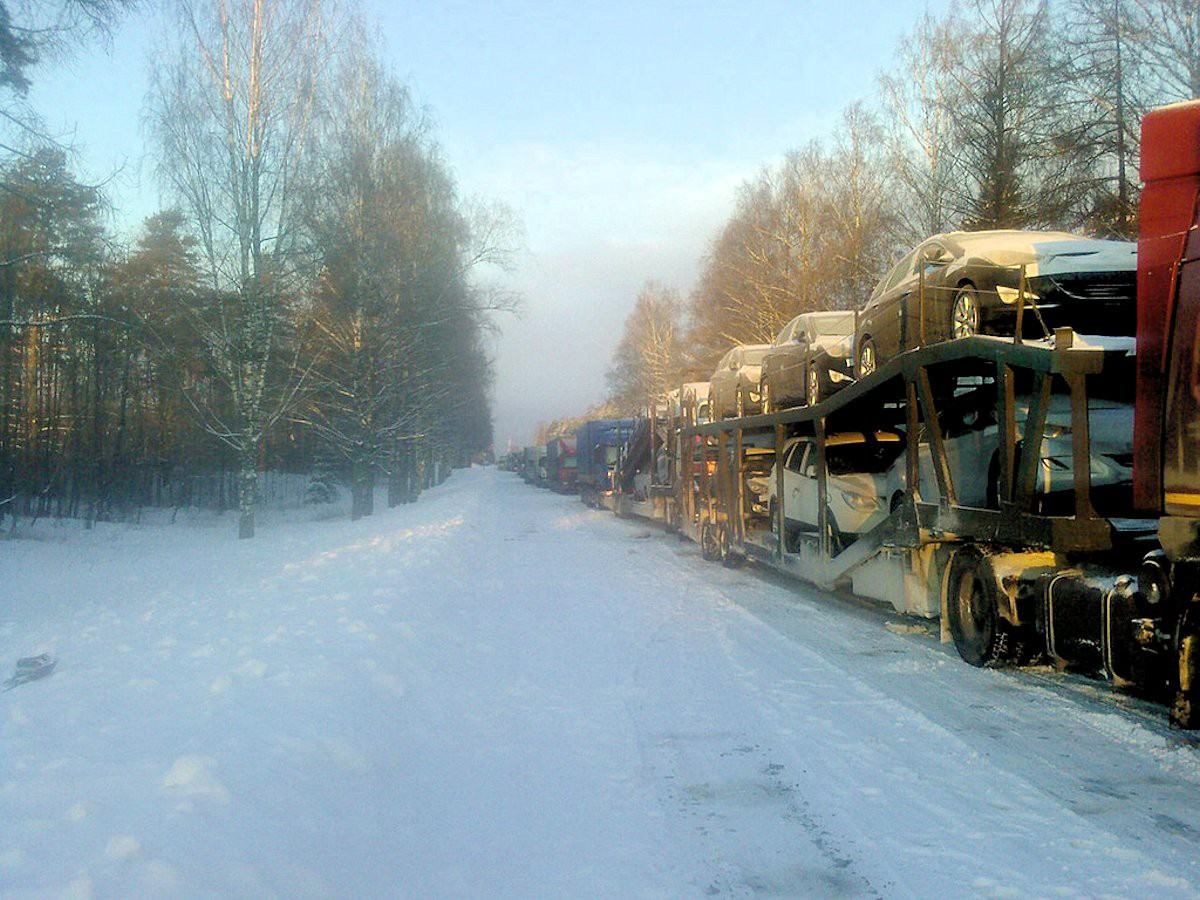 00a M10 traffic jam. moscow-st petersburg. 04.12.12