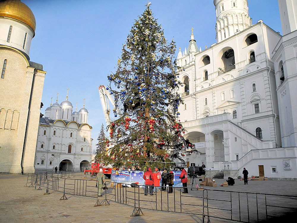 00e Kremlin Holiday Tree. 31.12.12