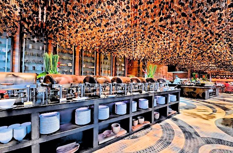 00 Pattaya resort hotel. Thailand. 03..01.13