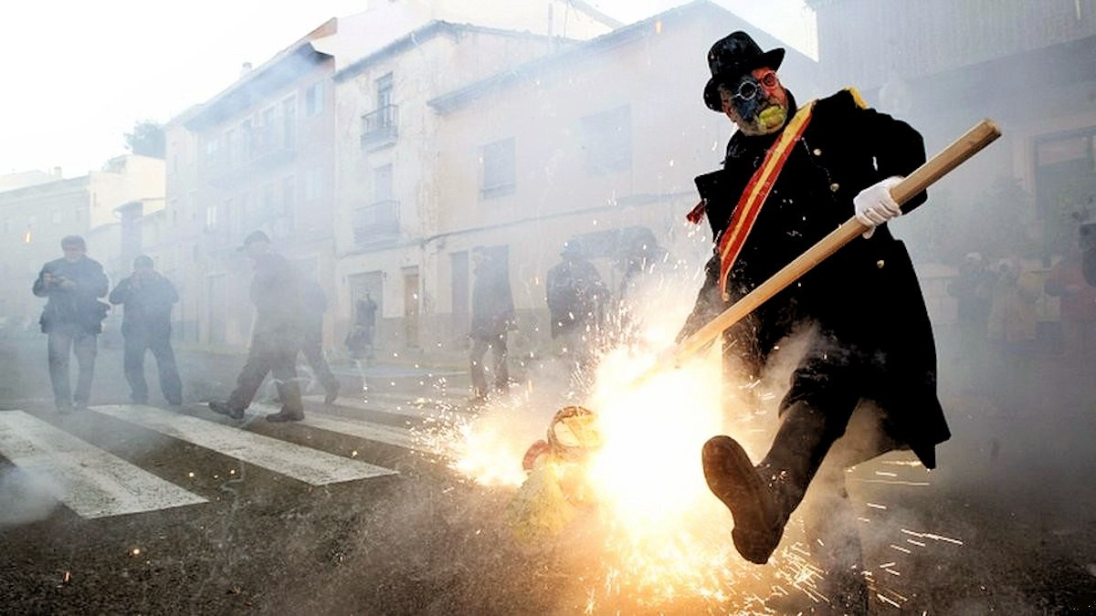 00a Flour War in Spain. Ibi in Valencia. 01.01.13