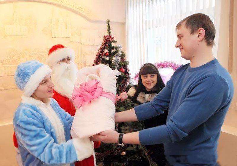 00c Happy Holidays. Belarus Style. 03.01.13. Ded Moroz. Snegurochka.Vitebsk maternity home