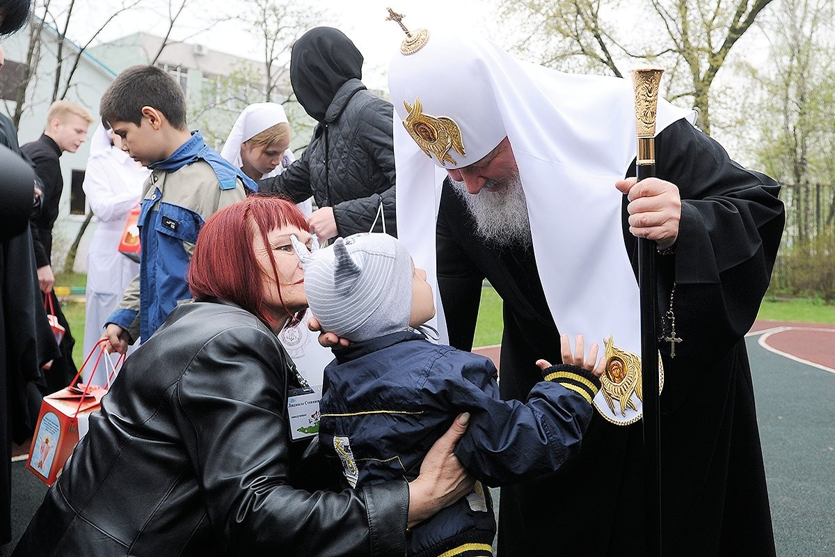 00 Patriarch Kirill. Moscow. Rehabilitation Centre. Easter 2013. 05.05.13