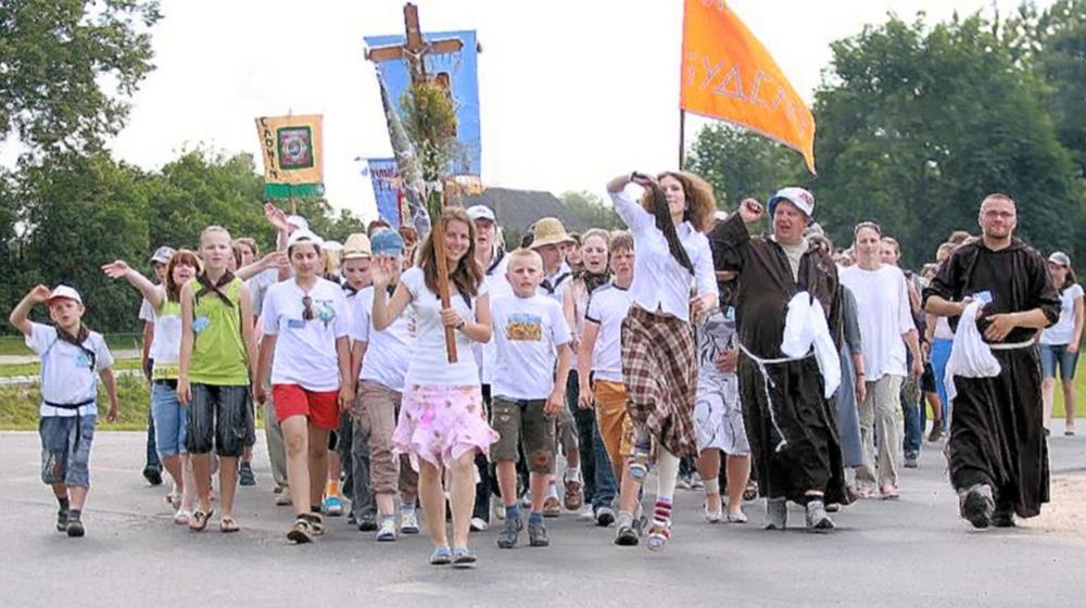 00 Budslav BELARUS. Catholic procession. 09.07.13
