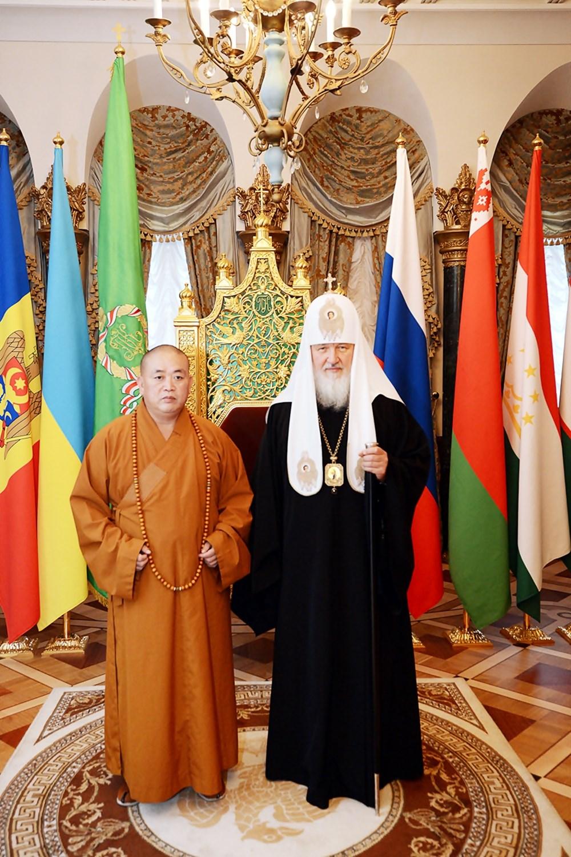 00 Patr Kirill with Shaolin Abbot. 01d. 08.09.13