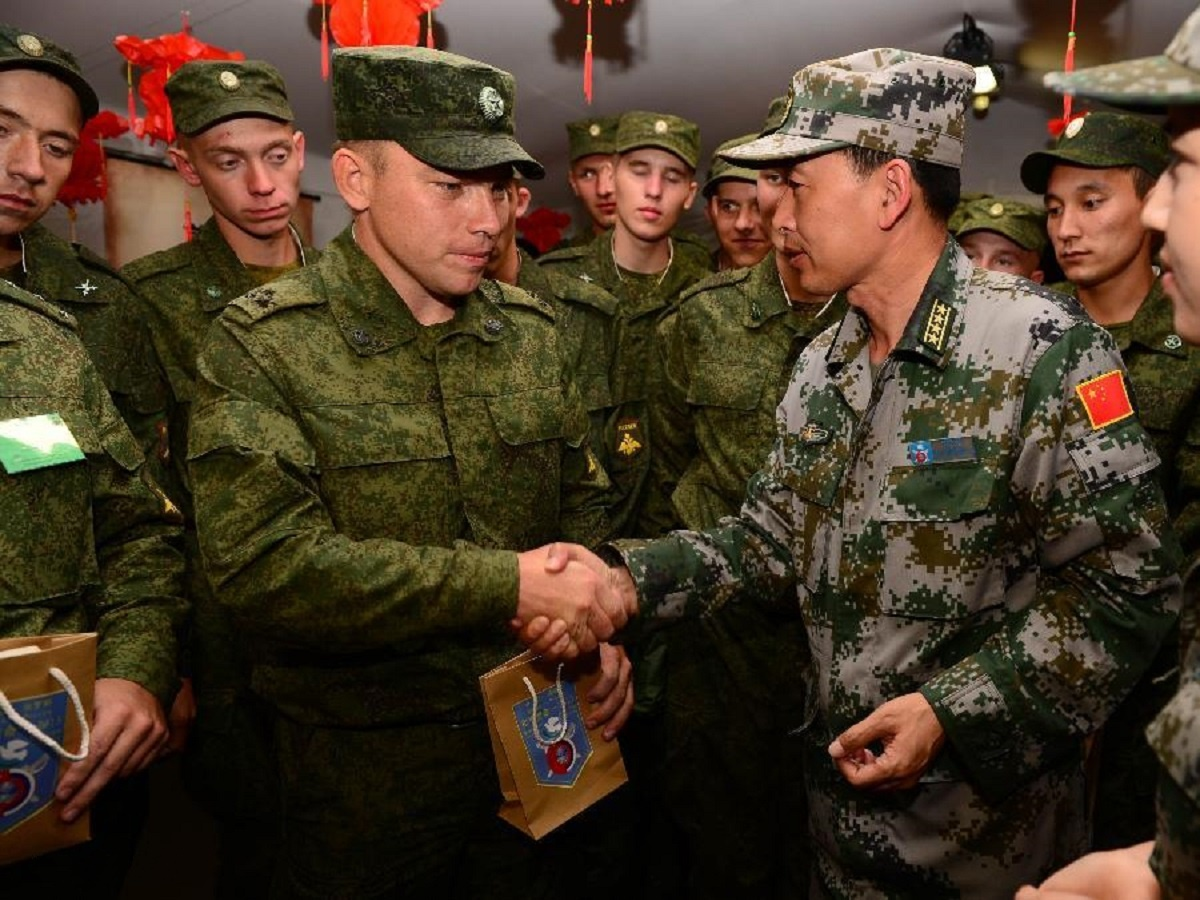 00 Russian and Chinese soldiers. 06.09.13