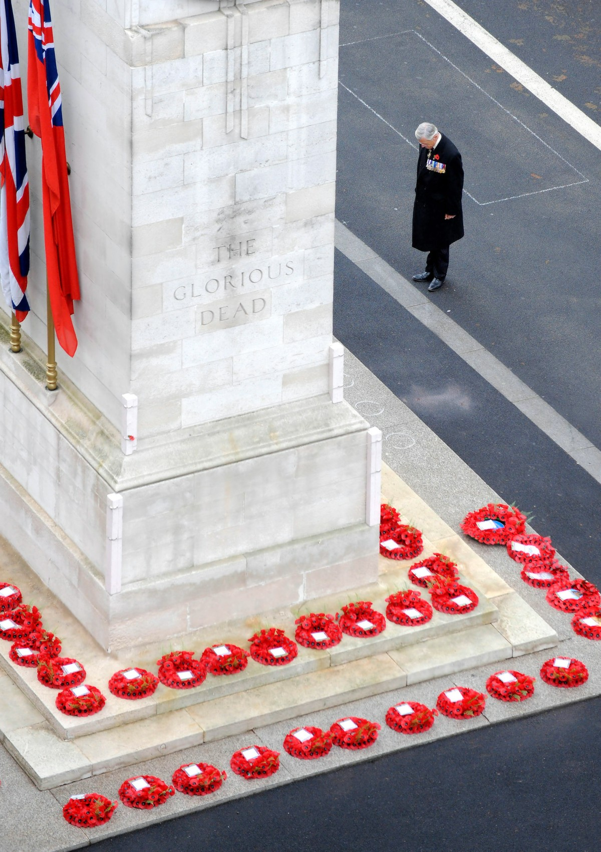 00 The Cenotaph. Whitehall, London UK. Remembrance Day. 10.11.13