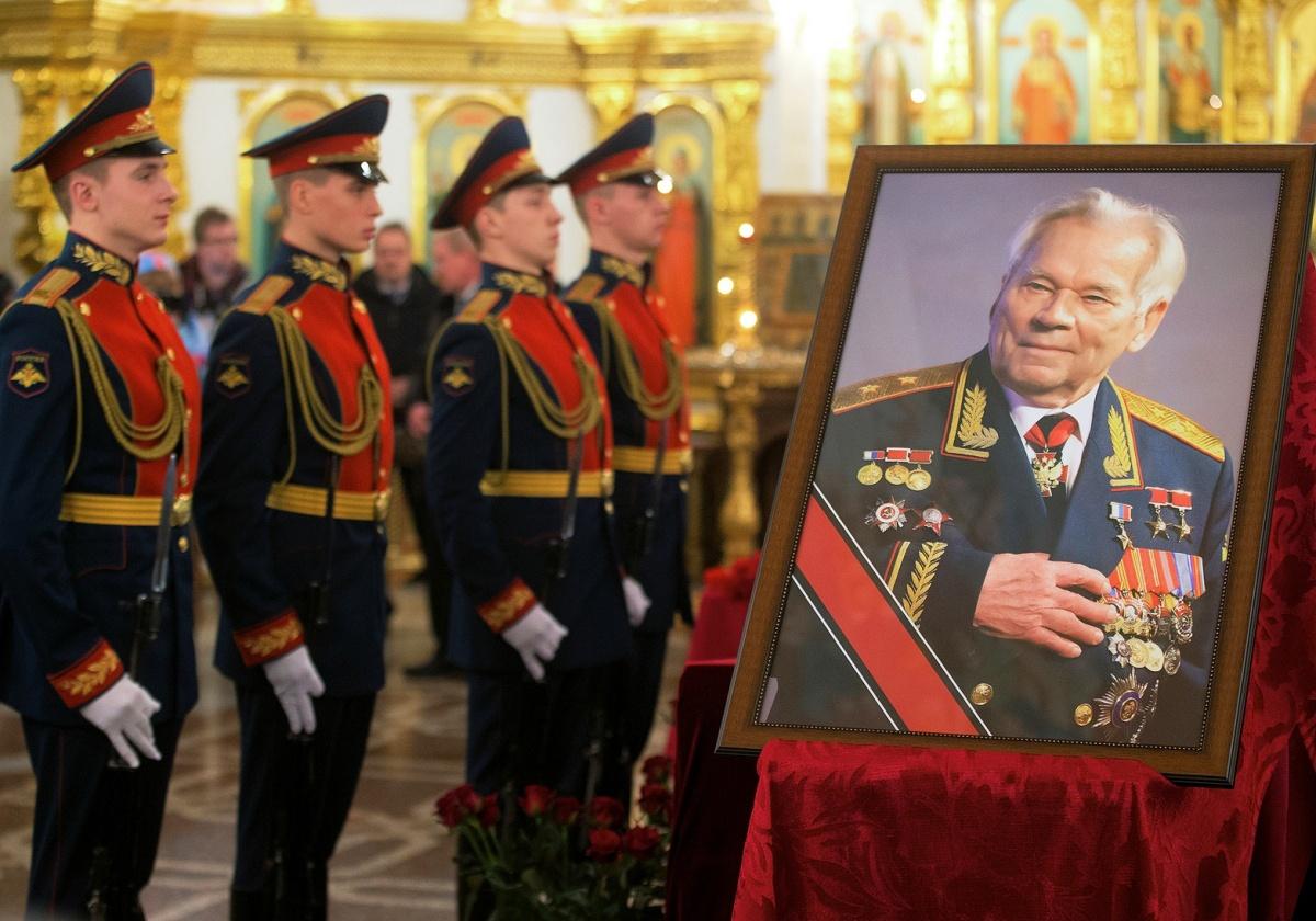 00 Kalashnikov funeral 01a. Izhevsk. 29.12.13