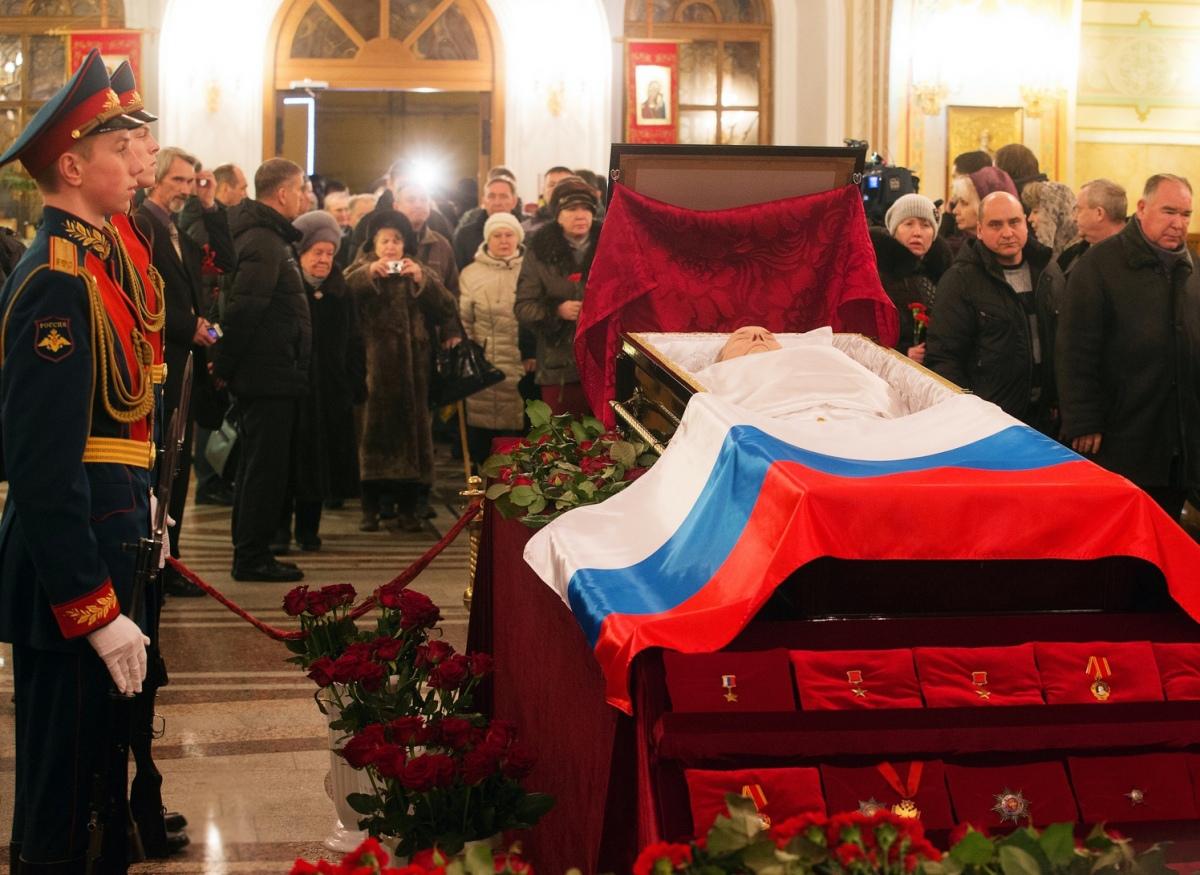 00 Kalashnikov funeral 03a. Izhevsk. 29.12.13