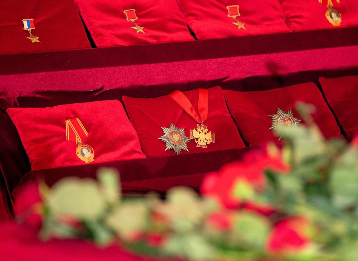 00 Kalashnikov funeral 05. Izhevsk. 29.12.13