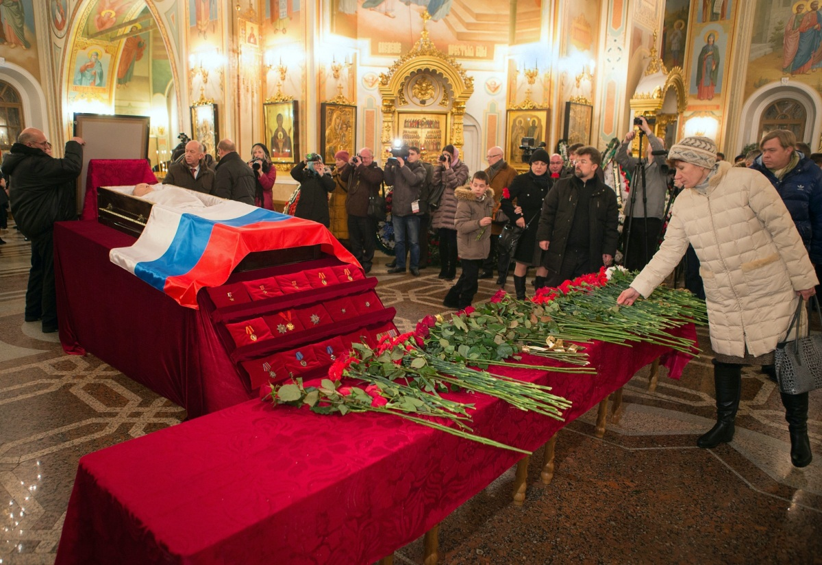 00 Kalashnikov funeral 06. Izhevsk. 29.12.13