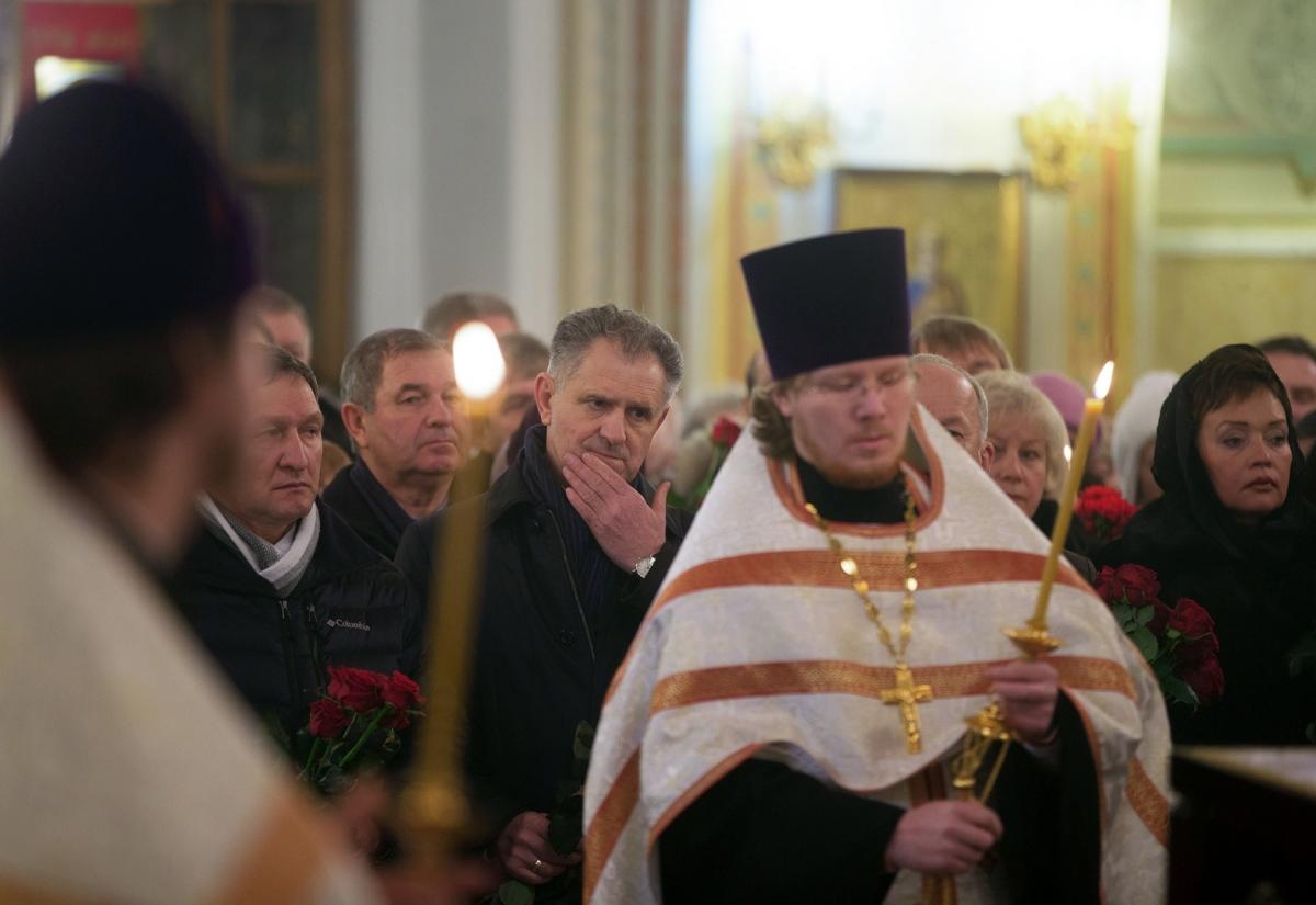 00 Kalashnikov funeral 07. Izhevsk. 29.12.13