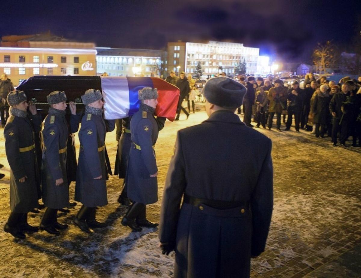 00 Kalashnikov funeral 08. Izhevsk. 29.12.13