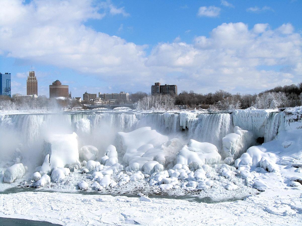 00 Frozen Niagara Falls. Canada. 11.01.14