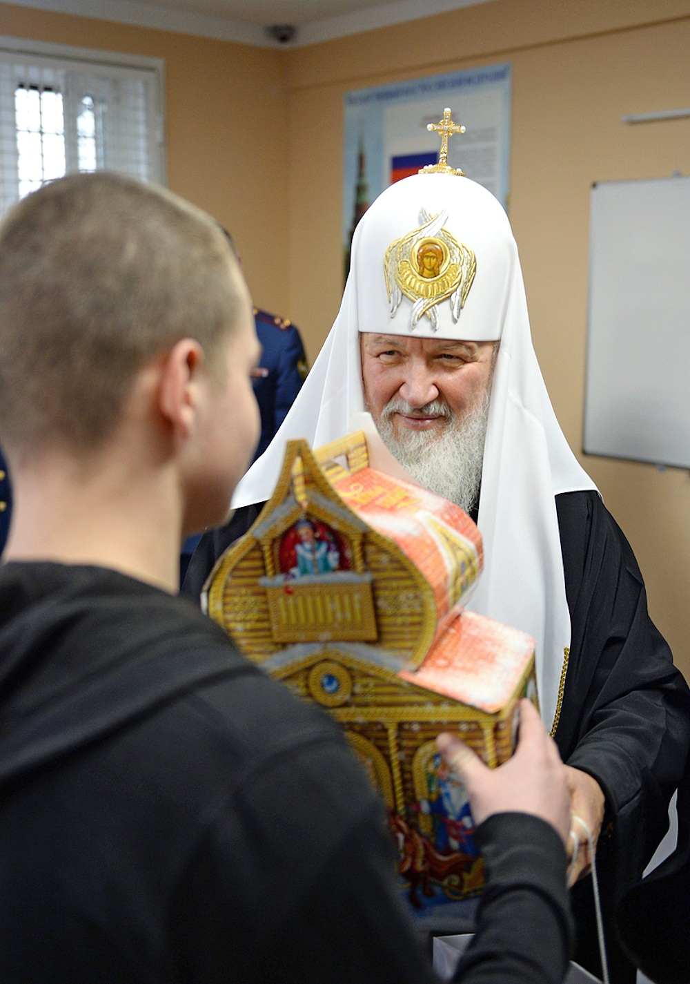 00 Patriarch Kirill at Moscow Prison. 07.01.14