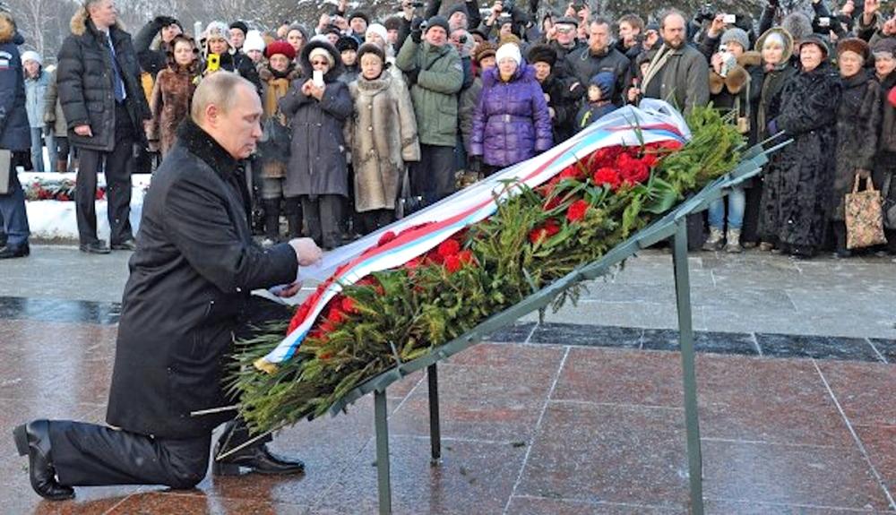 00 Putin. Piskaryoskoe Cemetery. St Petersburg RUSSIA. 27.01.14