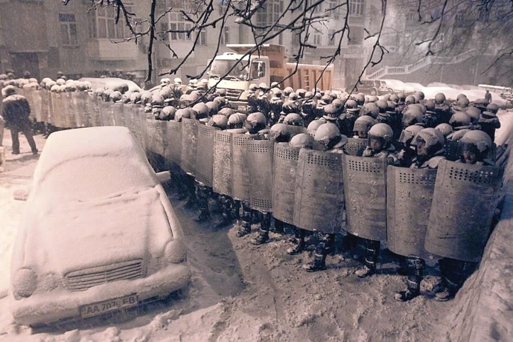 00 Kiev riots. 13.02.14