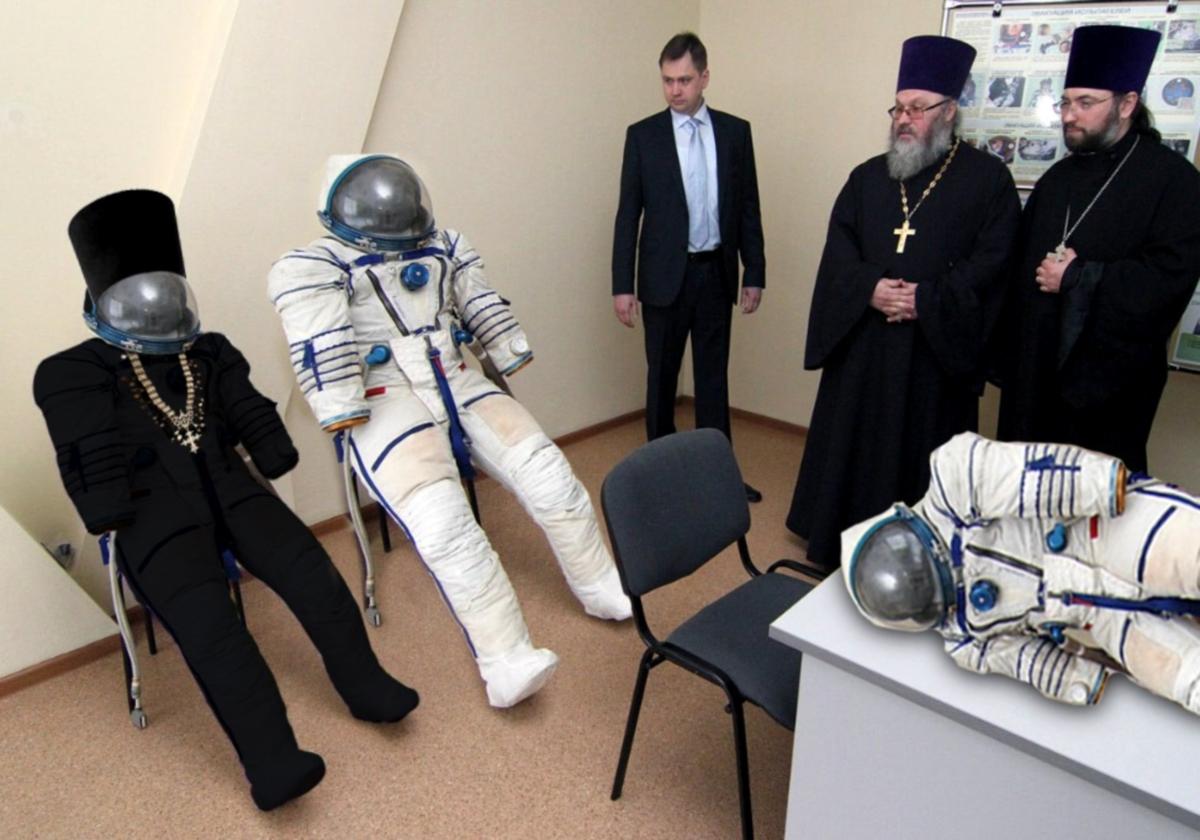 00 Roskosmos Priest Spacesuit. 17.02.14