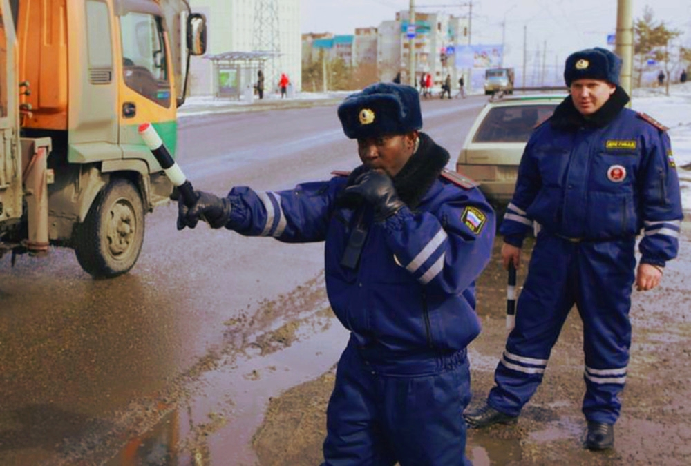 00 Stop! Black Russian cop. 27.02.14